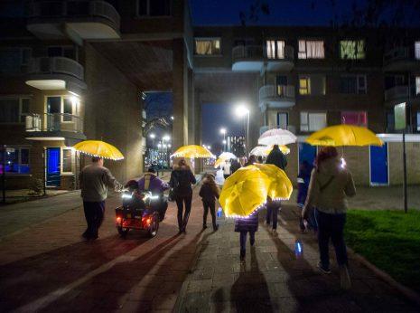Nederland, Rotterdam, 26-02-2016. Lichtlab in Oosterflank. Powerboat organiseert een lichtlab in R